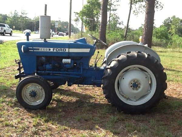 Ford 2600 diesel tractor one owner NICE tractor - $5900 (Spring)