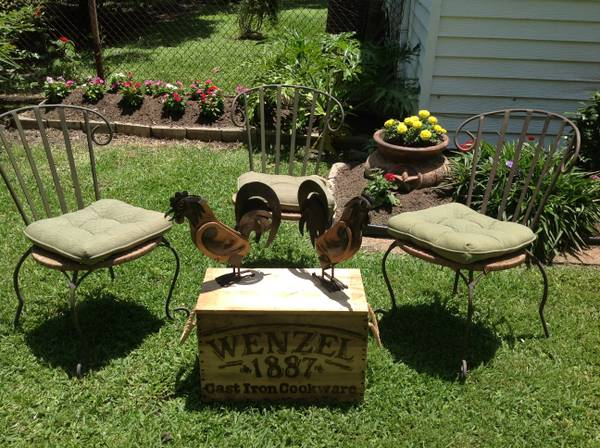 RUSTIC CHIC OUTDOORPATIO SET - $1 (77061)