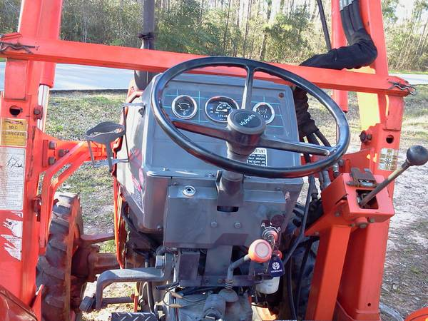 Kubota L2500 DT - $8750 (Cut Shoot, TX)