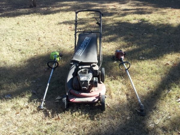 snapper commercial mower and more - $50 (290 610)