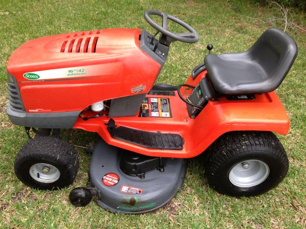 JOHN DEERE SCOTTS 1642H LAWNMOWER 16HP KOHLER ENGINE 42 CUT - $750 (ALVIN 77511)