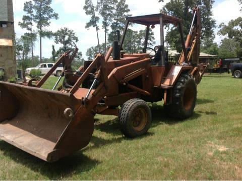 Case backhoe diesel tractor 580 c, clean and solid working tractor, - $8900 (Magnolia)