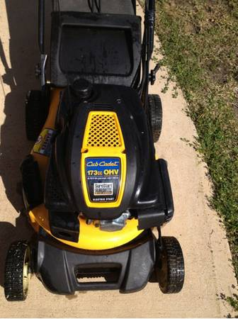 Cub cadet lawn mower - $225 (Willis)