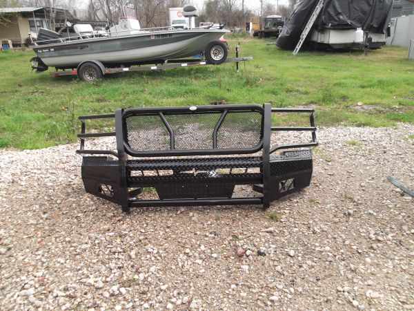 Frontier front bumper(ranch hand) - $450 (Baytown)