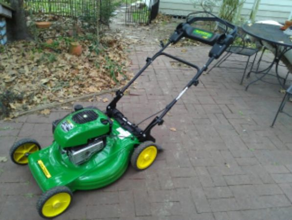 $$ NEW JOHN DEERE JS 38 SELF PROPELLED PUSH MOWER $$ - $300 (CONROE WOODLANDS)