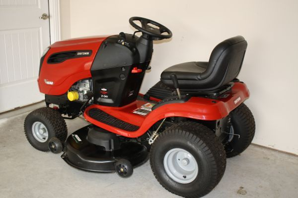 Craftsman 21hp 46in Deck,YS 4500 Lawn Tractor--------- - $1099 (PEARLAND TEXAS)