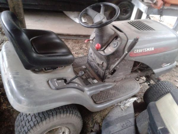 Craftsman LT 2000 19.5 HP Lawn tractor - $500 (Houston)