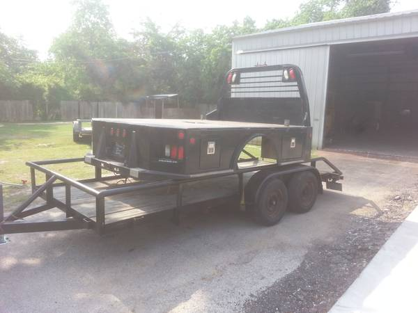 CM SKIRTED FLATBED DODGE DUALLY TOOL BOXES GOOSENECK HITCH LIGHTS - $2800 (TOMBALL)