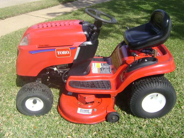08 TORO LX426 LAWN TRACTOR - $750 (League City)