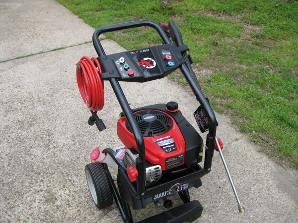NEW 3000 PSI PRESSURE WASHER - $325 (CONROE WOODLANDS)