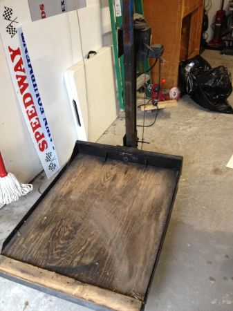 Lawn mower lift table for sale or trade - $1 (Magnolia)