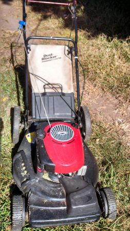 190CC Craftsman Lawn Mower 650 Briggs Engine 22 Inch self propelled - $150 (Pasadena 77502)