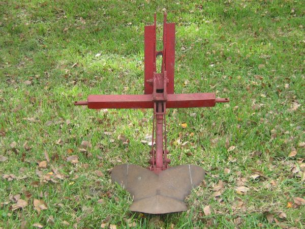 21 Narrow Hitch, Middlebuster or Potato Plow with 3-point hookup - $300 (HoustonPearland)