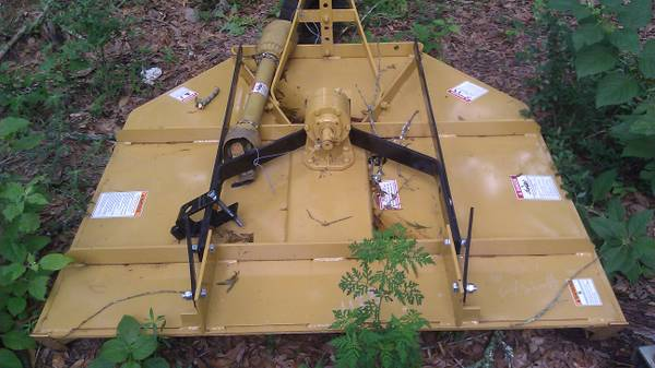 new howse 5 foot brush hog never on a tractor - $800 (conroe)