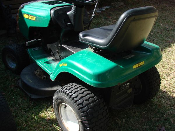 Weed Eater Brand Lawn Tractor 16.5hp 38 Automatic Transmission - $450 (Kingwood)