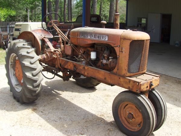 1950s Allis-Chalmers Tractor WD 45 - $900 (Spring)