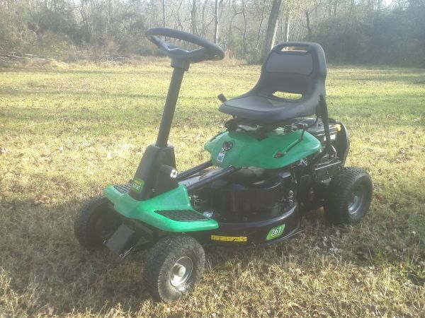 WEEDEATER ONE 875 SERIES RIDING LAWNMOWER (SALE or TRADE) - $515 (Houston)
