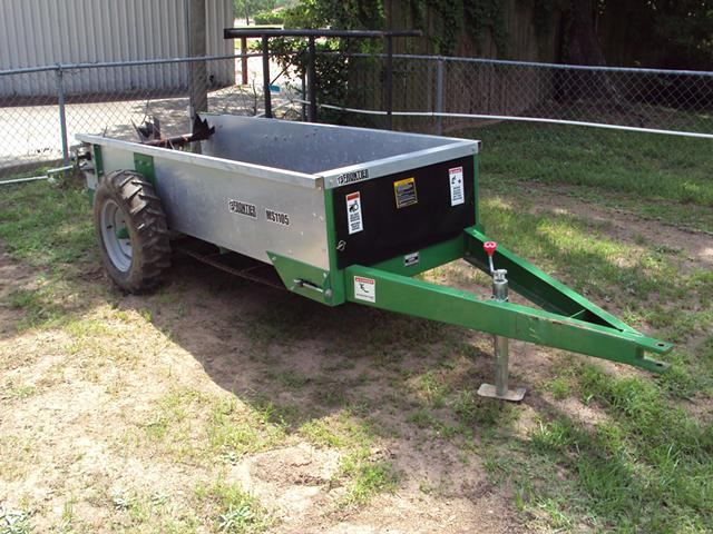 Like new Frontier MS1105 manure spreader
