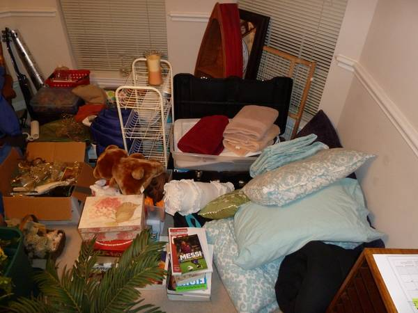 Garage Sale Moving Sale Sat Aug 24 - $1 (Kingwood)