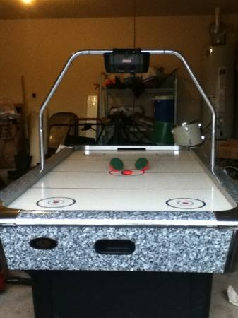 Air hockey table - $90 (Bear creek)