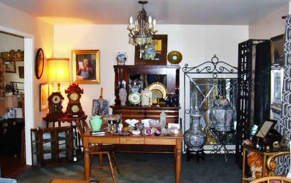 ESTATE SALE IN WEST UNIVERSITY - TODAY 02222014 (4033 WEST UNIVERSITY BLVD)