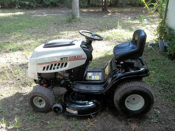 47 Lawn Tractor - Almost New - $1300 (Magnolia)