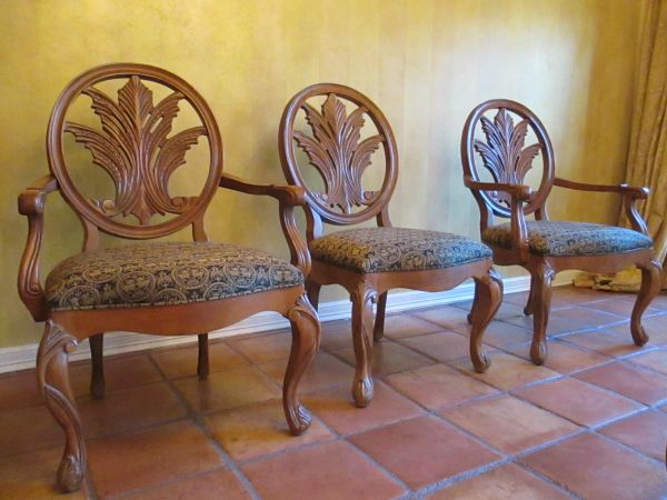 Moving Sale, Furniture Home Decorative Items (Chions FM 1960 area)