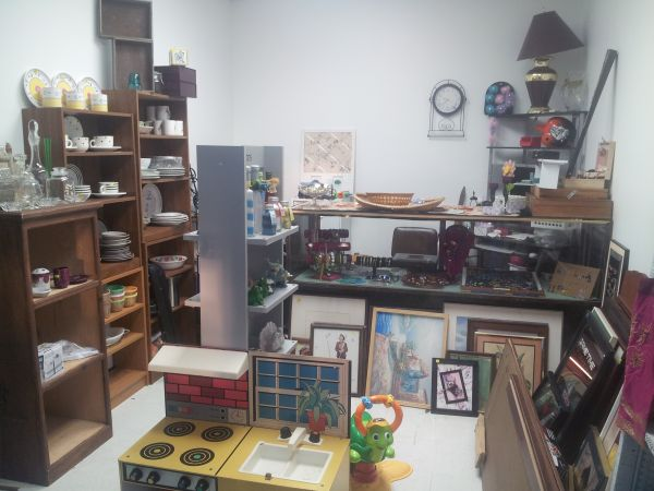 Resale shop opening garage sale prices (8724 fm 3180 baytown )