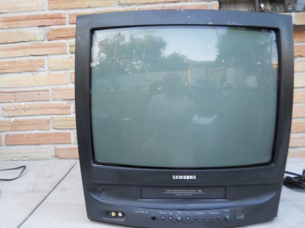 SAMSUNG TV AND VCR attached - $10 (SW)