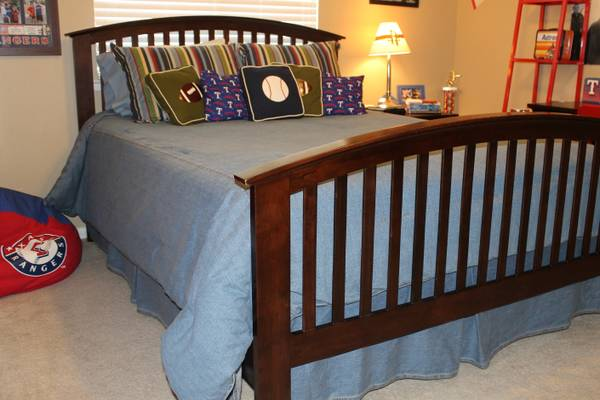Denim comforter set - Queen Size - $125 (Lake Jackson)