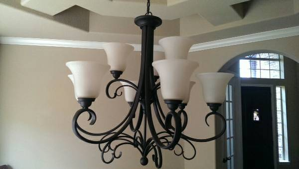 Gorgeous 9-Light Chandelier Oil Rubbed Bronze - $275 (Humble 77346 Eagle Springs)