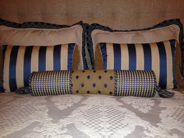 Custom-made bedding and drapes - $160 (Gessner, between I-10 and Memorial)