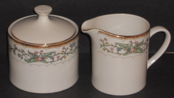 New Farberware Fine China Wellesley Pattern Creamer and Sugar Set - $20 (Kingwood-Houston)