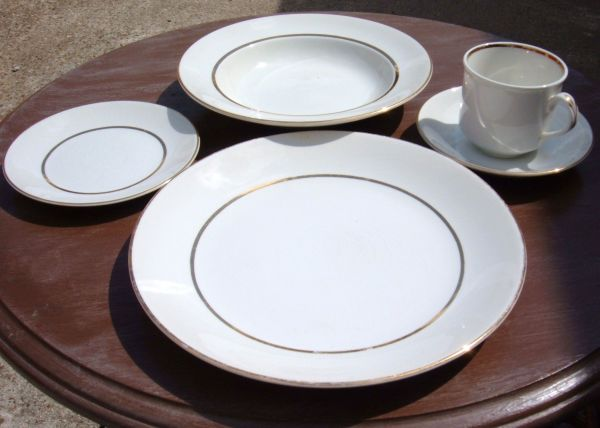 54 pc Noritake Ivory Gold china for 8 wserving platters, bowls, etc - $169 (woodlandsspring, texas)