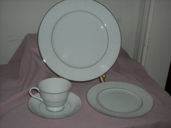 BRENTWOOD FINE CHINA - WHITE LACE - $89 (PearlandHouston)