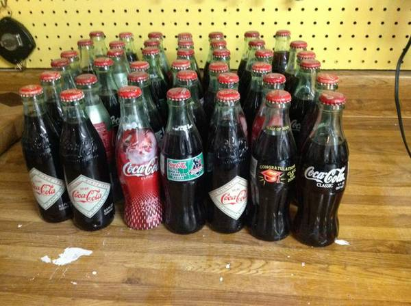 Glass vintage-looking Coca-Cola bottles for machine - $25 (Spring, Tx)