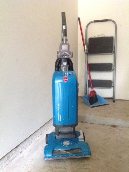 Hoover Windtunnel vacuum