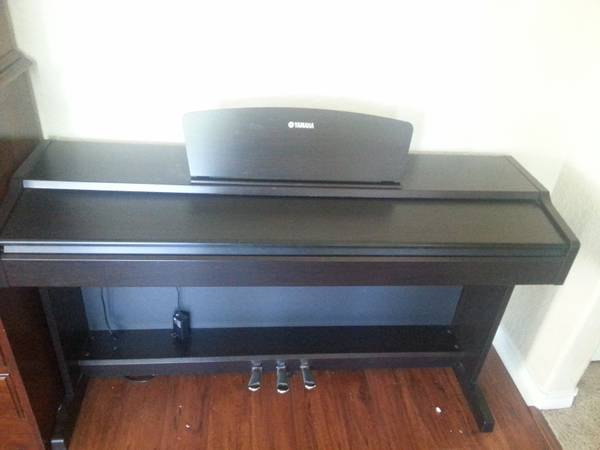 Yamaha YDP131 Digital Piano - $650 (Katy)