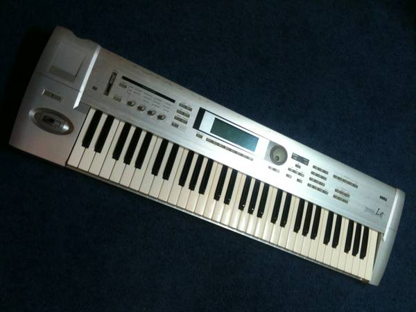 KORG TRITON LE 61 KEY( teclado de 61 teclas) with AC ADAPTER INCLUDED. - $450 (houston tx)