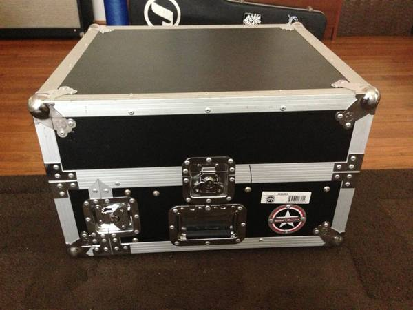 Road Runner Rack Road Case Mixer - $75 (Montrose)