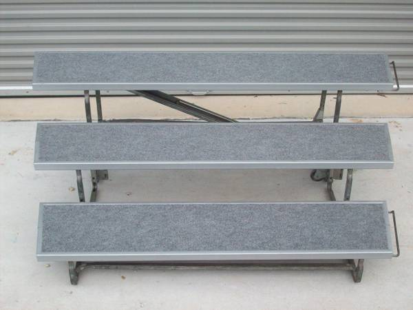 REFURBISHED WENGER TOURMASTER 3 STEP CHOIR RISER 6 X 13.5 ROLLS AWAY - $350 (Friendswood - Pearland Regional Airport)