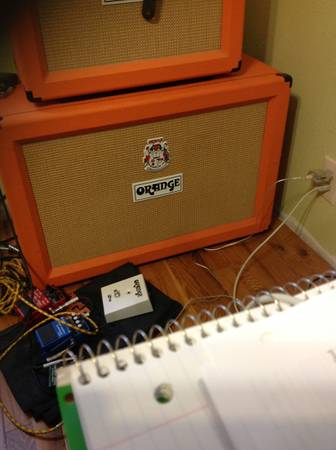 Orange 2x12 closed back cab - $420 (woodlandsConroe )