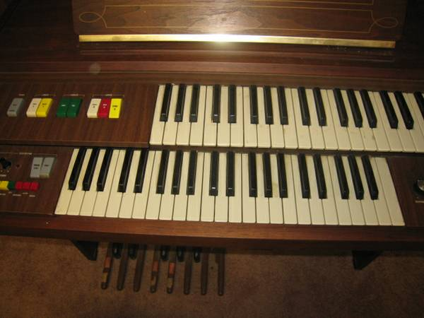 Hammond Organ Model V-22 Cadette - $150 (Pearland)