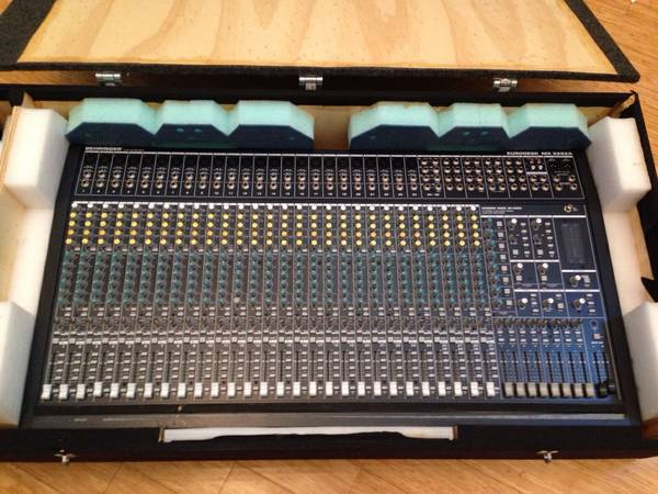 BEHRINGER Eurodesk MX 3282A Professional Mixing Console w Power Supply - $400 (Houston)
