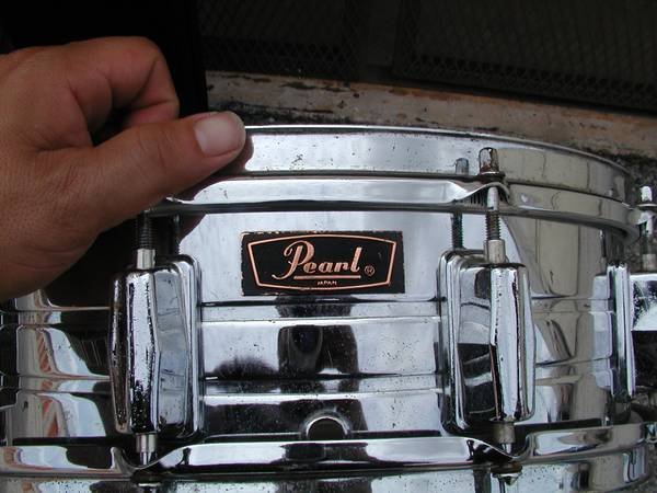 VINTAGE MADE IN JAPAN STEEL CHOME SNARE DRUM w bag - $80 (East End)