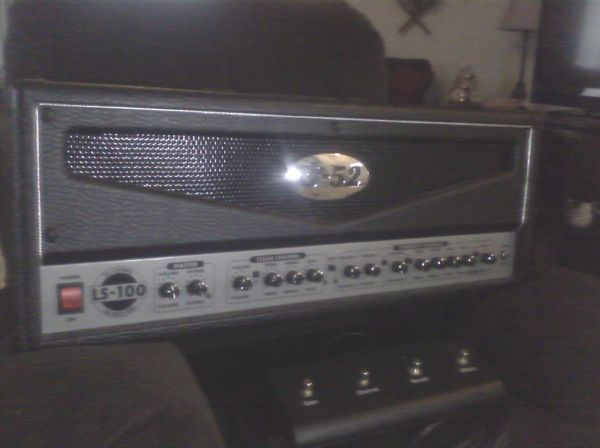B52 100 watt head, guitar lifier - $250 (League City)