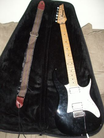 Ibanez RX 20 Electric Guitar w Plush Levys Carrying Case STRAP - $170 (PASADENASOUTH HOUSTON)