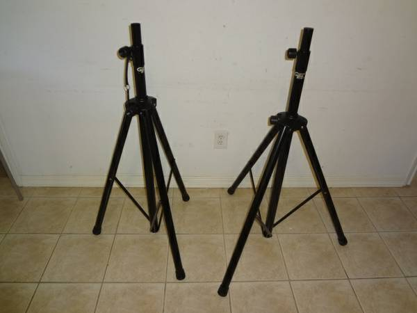 2 groove pak pro gear on stage speaker stands - $30 (nw hou)