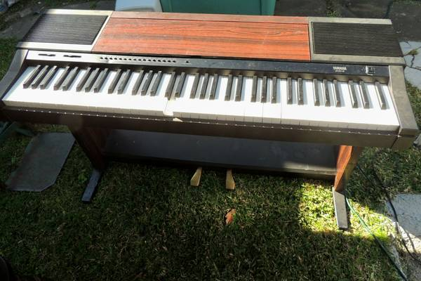 Yamaha clavinova cvp 3 for sale for Used yamaha clavinova cvp for sale