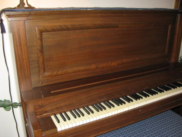 Vose  Sons upright piano - $500 (Kingwood)